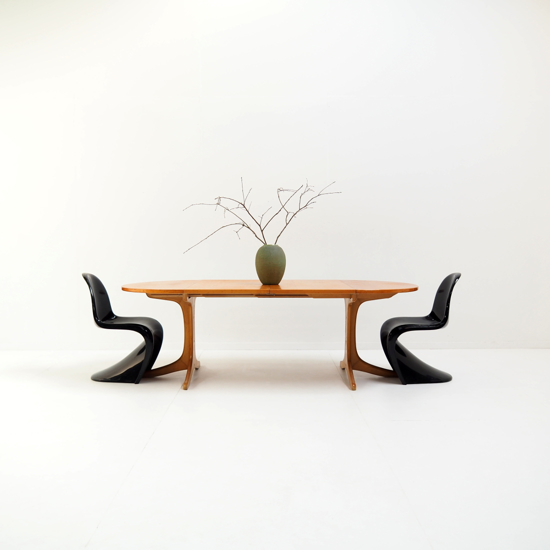 XL extendable table by Thonet
